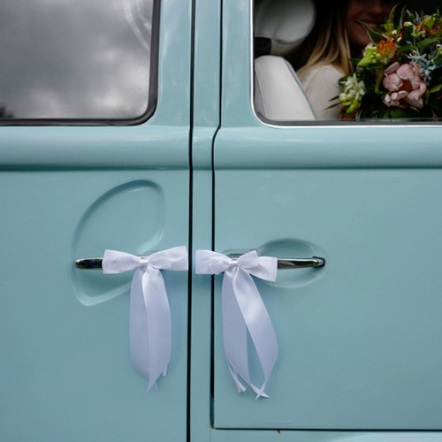 KOKARDY na samochód ślubny z muszką 4szt BIAŁE