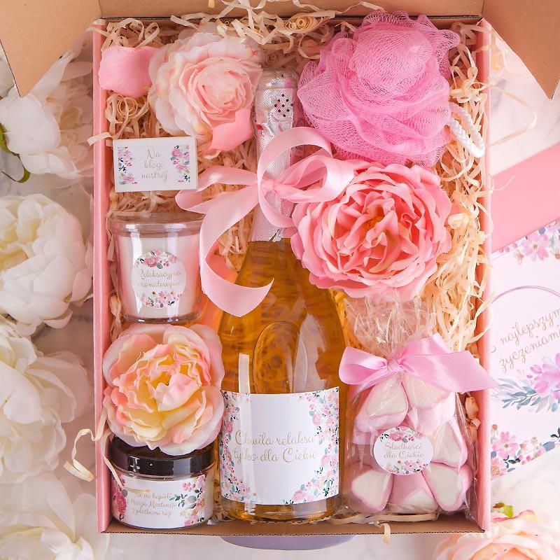 BOX na Panieński z winem musującym Z IMIENIEM Mega Róż