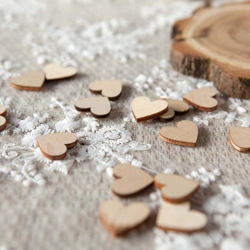 KONFETTI dekoracyjne drewniane serduszka 50szt 2x2cm