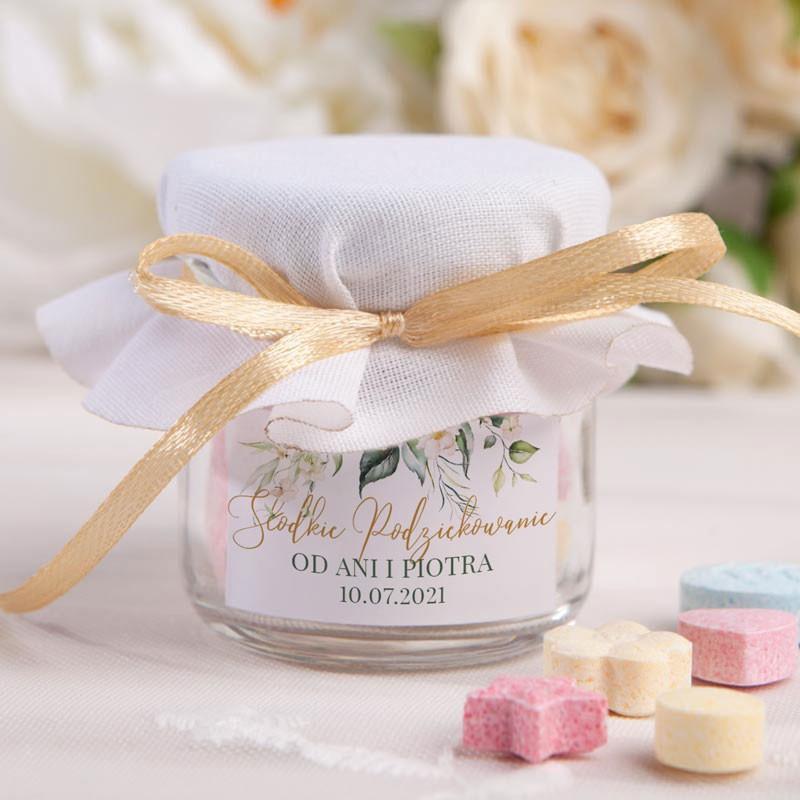 Słoiczek z cukierkami na wesele z imionami Pary Młodej