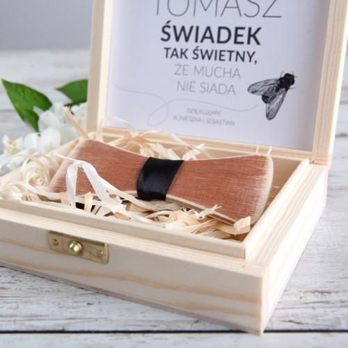 PREZENT dla Świadka w drewnianym pudełku MUCHA