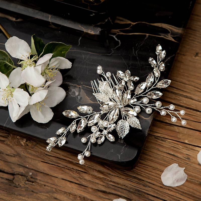Grzebyk ślubny z kryształków i perełek