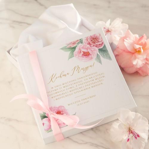 PREZENT na wieczór panieński bielizna ślubna w pudełku Z IMIENIEM Zapach Piwonii